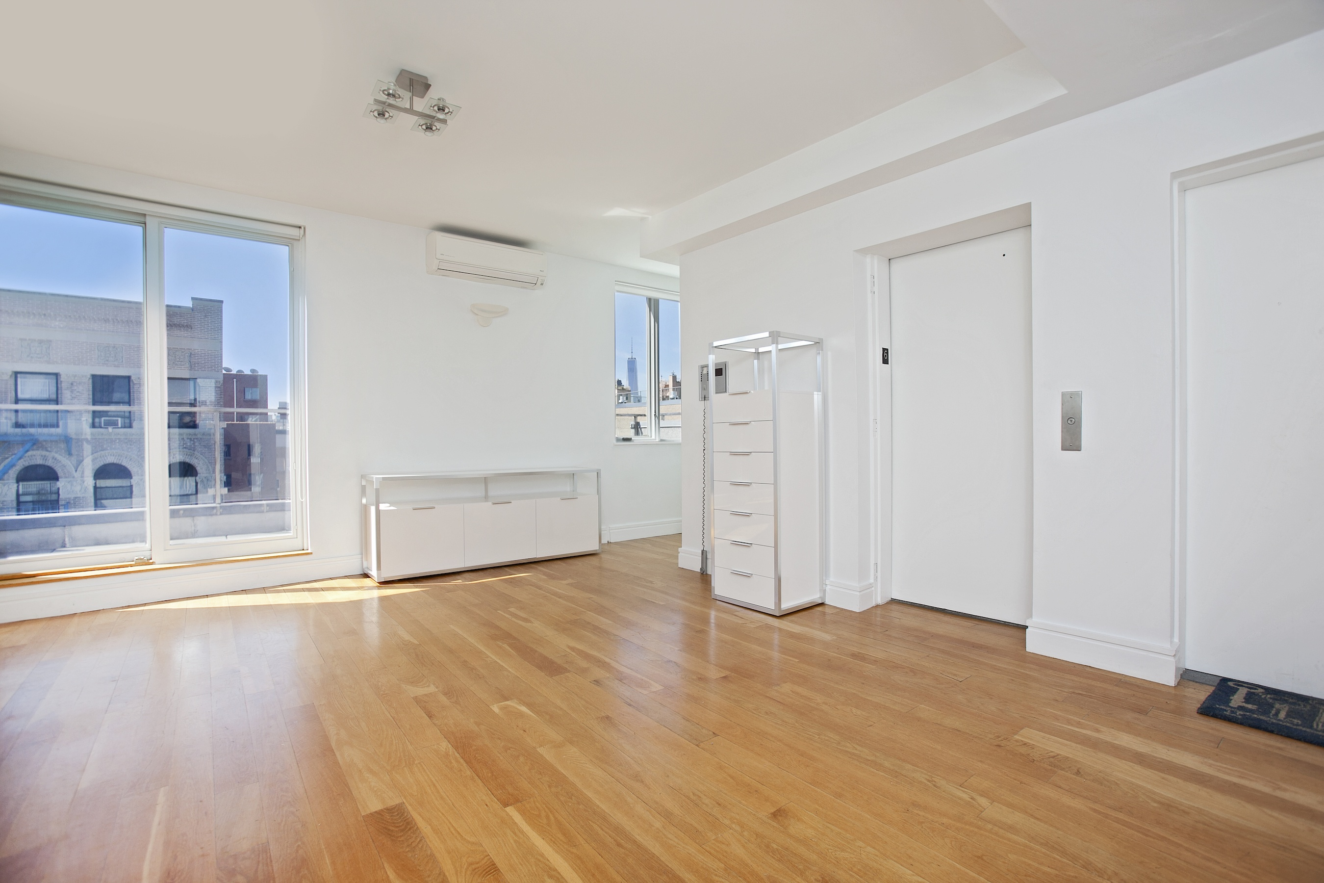 Penthouse 3 bed 2 bath condo with 3 terraces and a private for 10 east 39th street 8th floor new york ny 10016
