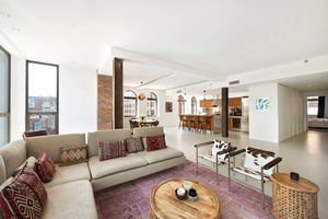 THE PORTER HOUSE 66 NINTH AVENUE COVETED AND ONE-OF-A-KIND GANSEVOORT MARKET FULL FLOOR OFFERING 5500 SQUARE FEET $21,500,000